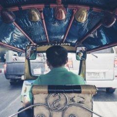 Ustęp: ekscytujący ruch taksówek
